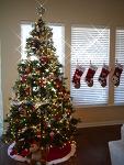 한 가족의 역사(?)가 걸려있는 크리스마스 트리