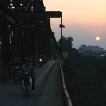 하노이 여행명소 사진포인트 홍강 롱비엔다리 철교 * 현지인이 웨딩촬영하는 곳