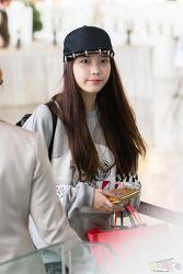 2012 11 02 김포공항 출국 아이유 직찍