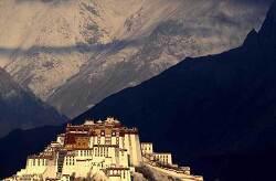 설역고원 '티베트'에서 마약 투약 혐의 12명 검거, 필로폰 및 헤로인 등 압수