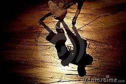이번 시즌을 시작하는  한국 아이스 댄서들을 위해 노래 한곡