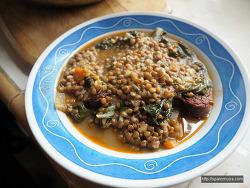 추운 계절에 먹는 스페인식 ' 렌틸콩 수프'