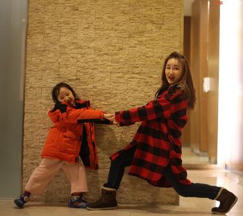 사진찍기 좋아하는 9살, 7살 다솔 다인 태어나는 순간 모델