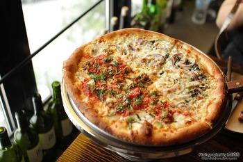 수요미식회 78회 황교익 샘도 반한 뉴욕식 피자, 이태원 지노스 뉴욕 피자 방송 전에 미리 다녀왔어요.