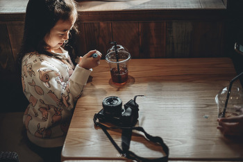 카페에서,, (소니 fe50.8)
