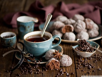 Download Gingerbread Coffee HD Wallpaper