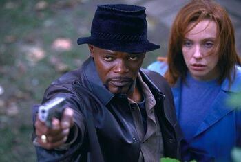 영화 '샤프트, 2000' 인종차별 범죄자 크리스찬 베일을 집요하게 쫓는 사무엘 L. 잭슨