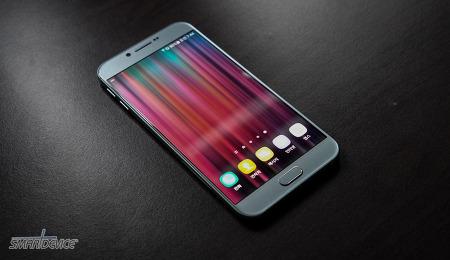 갤럭시 A8 2016 디자인과 스펙 살펴보기