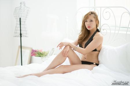 Model 서아란
