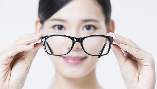 평범한 안경이 특별해지는 스마트 안경