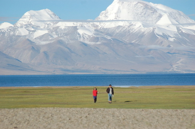 티벳인들은 왜 분신하나요? 무력저항을 왜 하지 않나요?