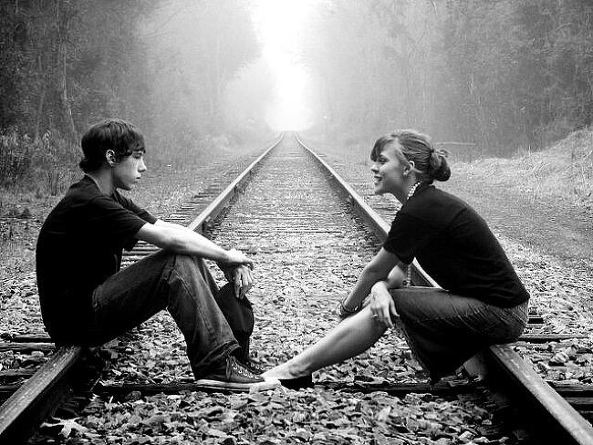 언제 어디서나 대화할 사람이 필요하다.
