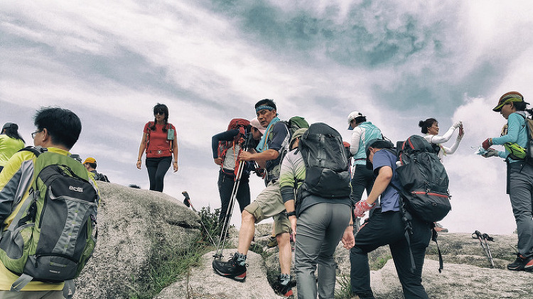 북한산 족두리봉 향로봉 비뵹 사모바위 산행
