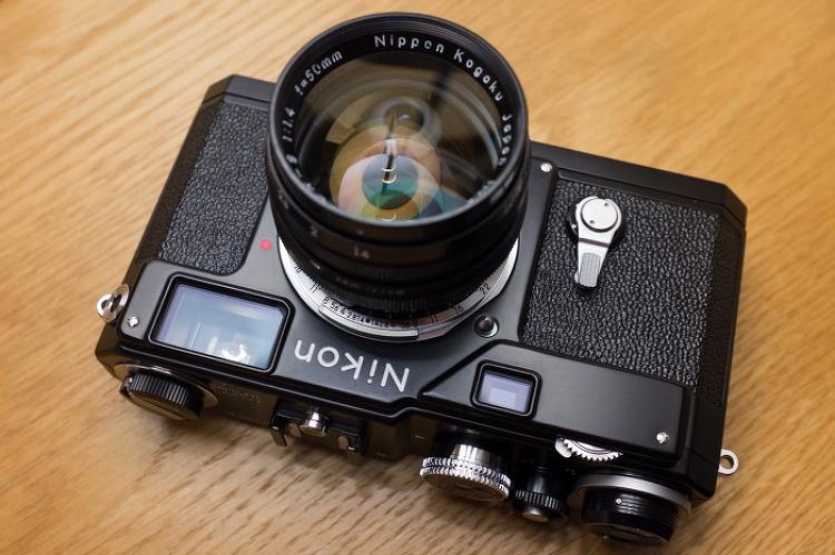 :: Nikon S3 Limited Edition Black ::