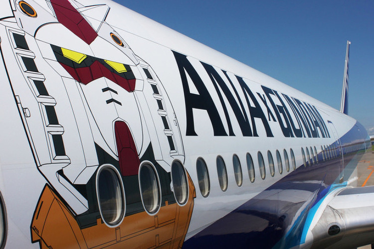덕력 충만한 ANA와 JAL의 특수 도장기 대결