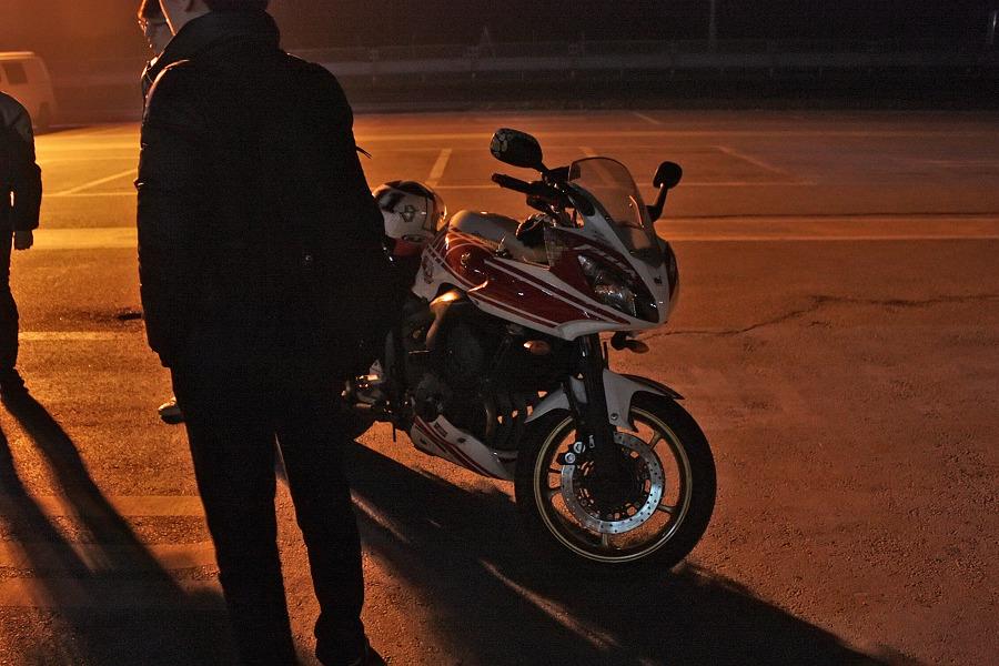 바이크로 달리자 - 야간 유명산 투어 : 140F6D3D4F669095219E49