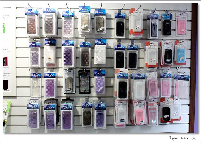 핸드폰 케이스들..
