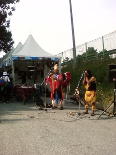 공연중인 인디언
