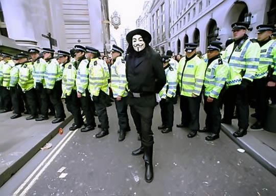 이미지 출처: 구글 이미지 검색, http://danielj.se/2010/06/04/buy-guy-fawkesv-for-vendetta-mask-online/, 일부수정편집