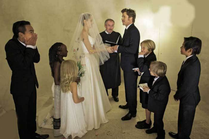 브란젤리나 결혼식, 아이낳고 살다가 결혼