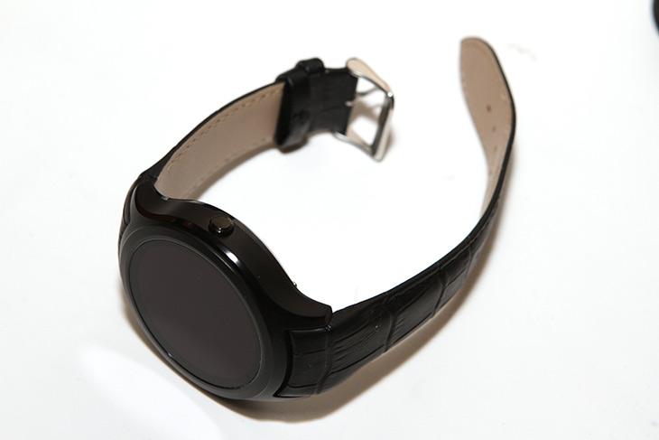 K8, Mini, 3G, Smartwatch, Phone, 리뷰,IT,IT 제품리뷰,저가형의 스마트워치를 사용해 봤습니다. 안드로이드 스마트워치 였는데요. K8 Mini 3G Smartwatch Phone 리뷰를 통해서 이 제품의 가능성과 어떻게 활용할 수 있는지에 대해서 살펴보려고 합니다. K8 Mini 3G Smartwatch Phone 과 같은 스마트워치는 스마트폰과 사람을 연결해주는 고리와 같은 역할을 하는 제품 입니다. 굳이 이게 필요할까 라고 생각할 수 있지만 몇가지 장점은 있죠. 변화무쌍한 시계 그리고 알림을 빠르게 확인할 수 있고 급할 때에는 전화도 된다는 장점이 있죠.