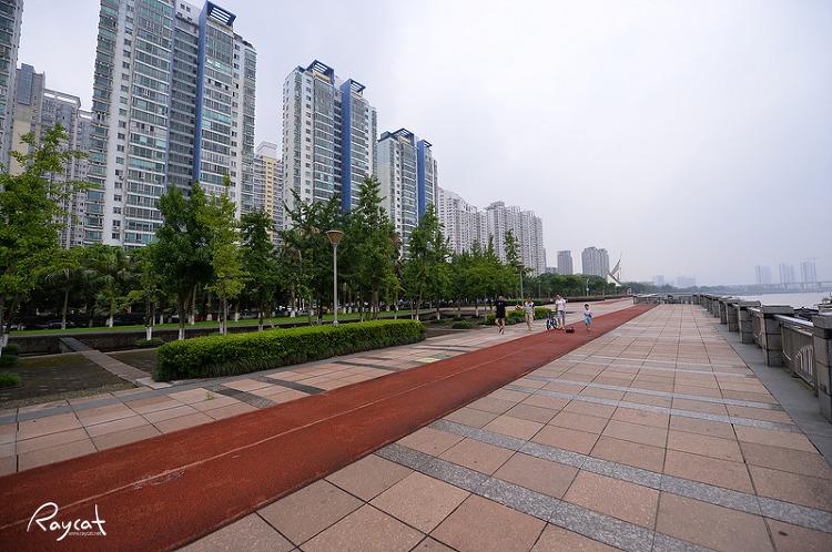 어우장강 강변 공원