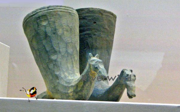 말모양뿔잔-5세기작품