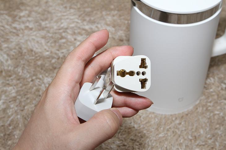 샤오미 전기포트 ,스테인리스, 안전하고 ,보온 가능한 전기포트,인테리어,가전제품,물끓이기,보온,IT,IT 제품리뷰,실제 사용하면서 정말 만족했는데요. 잘 구매한것 같습니다. 샤오미 전기포트 스테인리스 안전하고 보온 가능한 전기포트를 소개 합니다. 이전에 쓰던 제품보다 여러면에서 더 좋네요. 샤오미 전기포트는 내부가 스테인리스로 완전히 덮혀 있습니다. 그전에 쓰던 제품은 아래부분은 스테인리스이지만 측면 부분은 플라스틱이 직접 물에 닿게 되어있었는데요. 최근에는 환경호르몬 이슈 등의 이유로 스테인리스 전기포트를 많이 찾고 있죠.
