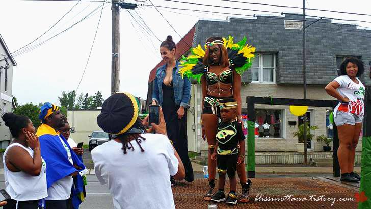 자메이카 전통 의상입니다