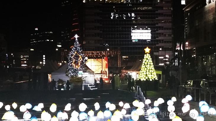 청계천 크리스마스, 청계천 크리스마스 축제, 청계천 데이트, 세종문화회관 천원의 행복, 천원의 행복, 재지 크리스마스 콘서트, 크리스마스 축제,