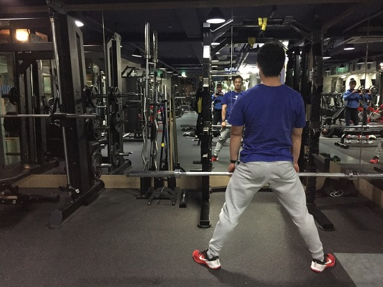 와이드 스쿼트(wide squat)