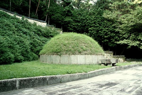 임진동래의총(壬辰東萊義塚).