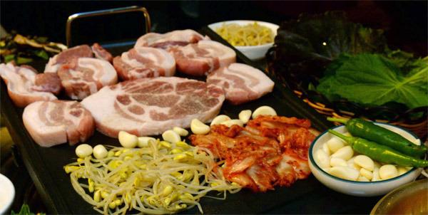 돼지고기-바비뷰-헤테로사이클릭아민-향신료