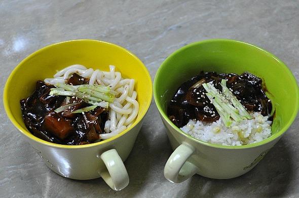 담백하고 깔끔한 맛, 홈메이드 짜장(짜장밥, 짜장우동)