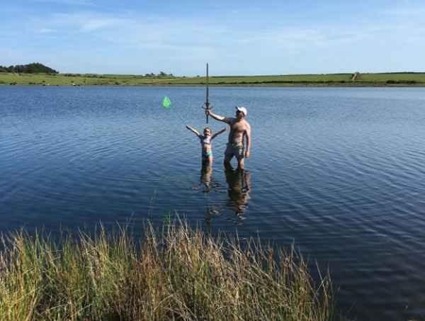 도즈마리 호수에서 엑스칼리버를 발견한 마틸다