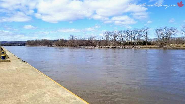 모호크 강입니다