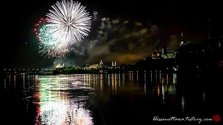 캐나다 데이 불꽃 축제입니다