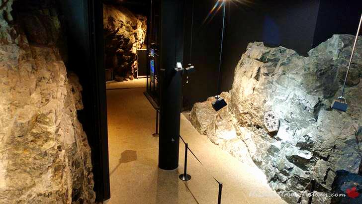 선캄브리아기의 암석입니다