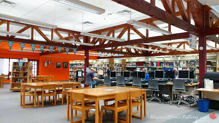 캐나다 시립 도서관입니다