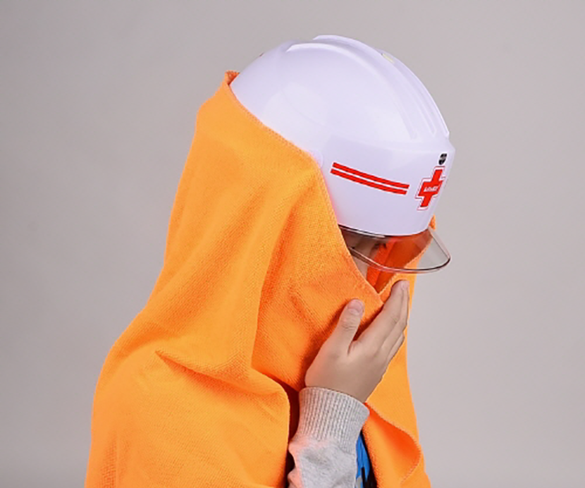 지진 공포에 지진관련 상품들 출시 표준 재난 헬멧