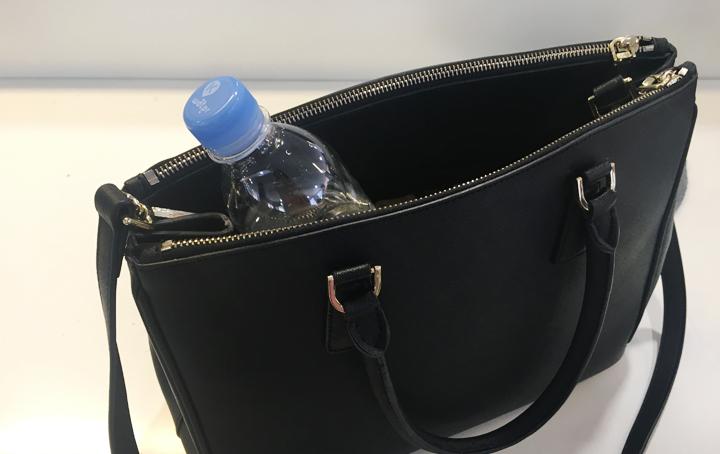 여름철 가방 속 들어있는 뚜껑 딴 생수물, 괜찮을까요?